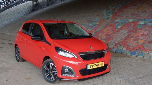 peugeot 108 autotest peugeot 108 gt line het rode racemonster. Black Bedroom Furniture Sets. Home Design Ideas