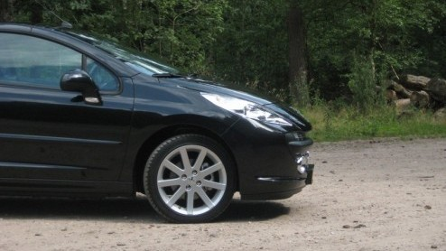https://www.autovandaag.nl/Autovandaag/assets/media/large/Peugeot_207_CC_8467.jpg