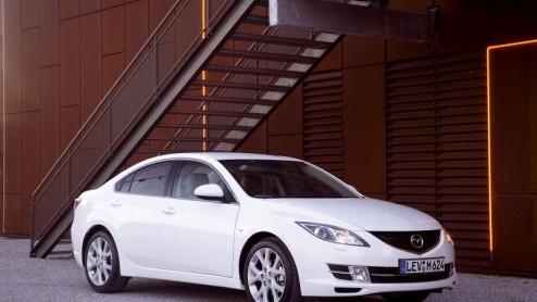 Mazda 146 Mazda 6 Sedan In Januari In Nederland