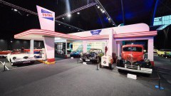 https://www.autovandaag.nl/Autovandaag/assets/media/medium/Amerikaanse-autos-motor-in-Brussel-5a37d33f8c1fd.jpg