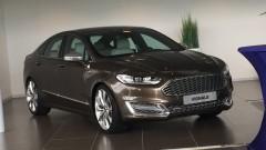 En de Ford Vignale Mondeo kost....44.945 euro