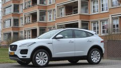 https://www.autovandaag.nl/Autovandaag/assets/media/medium/Jaguar-EPace-kleiner-maar-niet-minr-5adf1f4a26a1f.jpg