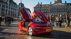 Superzuinige Volkswagen XL1 in Nederland de weg op