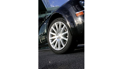 De Chrysler 300C is onlangs vernieuwd. Deze subtiele wijzigingen aan deze stoere Amerikaan werden tijdens de IAA in Frankfurt al gepresenteerd en bieden vooral meer comfort en premium touch. Vandaag z