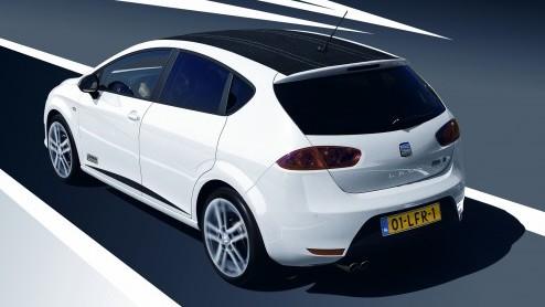 Seat breidt het aanbod van de Leon FR uit met extra motorisaties. Vanaf nu zijn ook de 1.4 TSI, 1.8 TSI, 1.8 TS en 2.0 TDI met FR-badge verkrijgbaar. Tegelijkertijd introduceert SEAT de Leon FR Armin