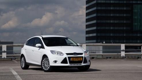 Hij komt er nu echt aan, de Ford Focus met een veelgeprezen eenliter Ecoboost motor. De 100pk driecilinder hadden we nog niet aan de tand kunnen voelen maar die is juist zeer interessant. Dankzij een