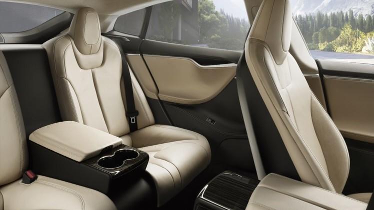 Volvo S60 Polestar >> Tesla Model S - Als een directeur achterin de Tesla Model S