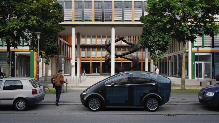 Duitsers Maken Zelfopladende Elektrische Auto