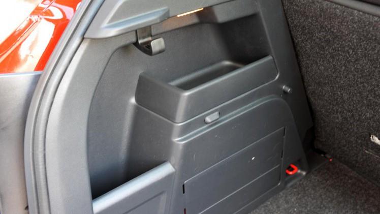 specificaties en prijzen skoda fabia 1 0 tsi drive. Black Bedroom Furniture Sets. Home Design Ideas